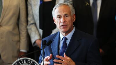 Gobernador de Texas firma ley para preparación de desastres