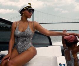 Beyoncé exhibe sus curvas en alta mar