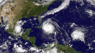 Según pronósticos, el huracán Irma llegaría al sur de Florida el domingo en la mañana