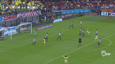 Nico Castillo casi hace un golazo para América