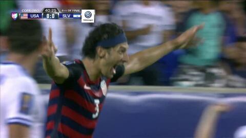 Goooolll!! Omar González mete el balón y marca para USA