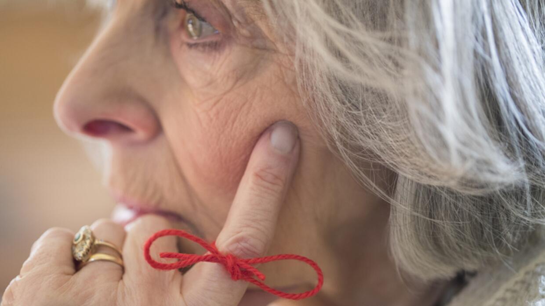 Comer saludable y hacer ejercicio: las claves para reducir el riesgo de demencia, según nuevas directrices de la OMS
