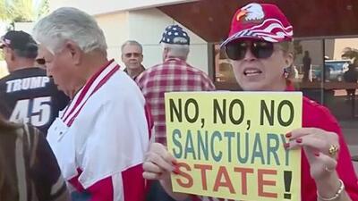 Una ciudad de California vota en contra de la ley santuario que protege a indocumentados en este estado