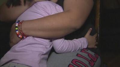 """""""Tuvo tiempo de tocarla"""": madre denuncia que su hija fue abusada sexualmente dentro de una escuela en Chicago"""