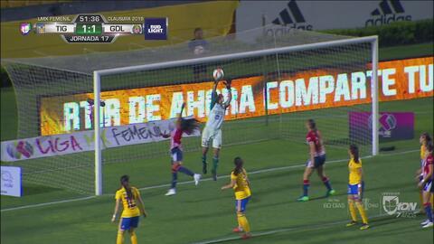 ¡Portera! Ofelia Solís vuela y evita el segundo gol en contra