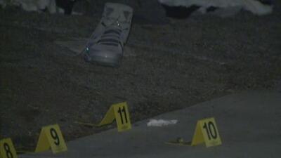 Atacan a tiros a varias personas afuera de una pizzería en el sur de Los Ángeles