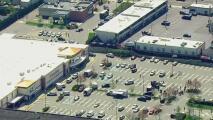 Una persona muerta y dos heridas, lo que se sabe del tiroteo en un supermercado de Long Island
