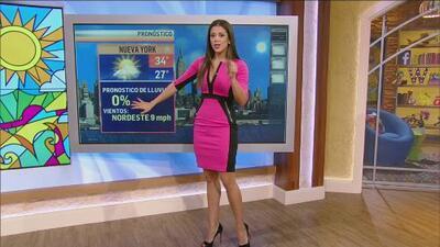 ¡Carolina dió la temperatura para el fin de semana con su vestido nuevo!