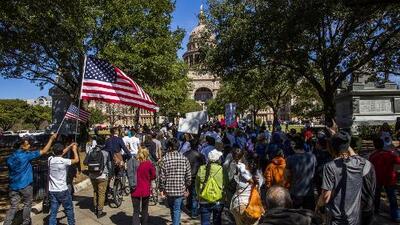 Houston aprueba unirse a la demanda contra Texas por la ley SB4
