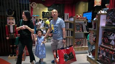 Como un gesto de buena voluntad, Trump retrasa 15 días la próxima subida de aranceles a China