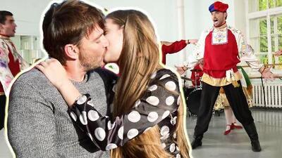 Entre bailes, palacios reales y besos: así es como Julián Gil ha disfrutado del amor en Rusia