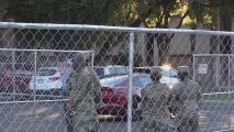 Comienzan a retirar la seguridad en el Capitolio de Arizona a un día de la toma de posesión de Joe Biden