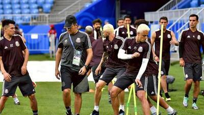 'Chicharito' y Layún sorprenden con nuevo look previo al duelo ante Brasil