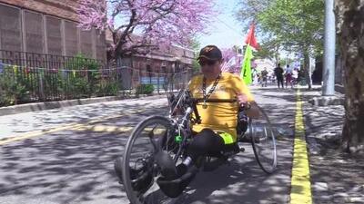 Este deportista ecuatoriano con una discapacidad sobresale en una competencia para adultos mayores en Brownsville