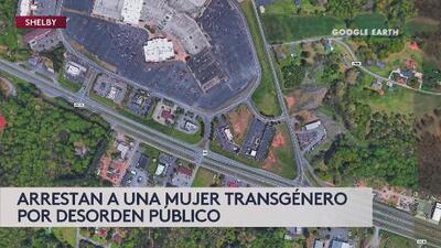 Arrestan a mujer transgénero de entrar por entrar al baño de mujeres