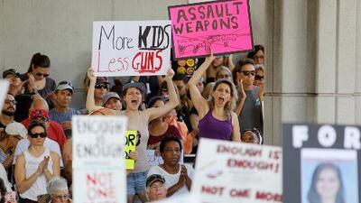 Sobrevivientes de la masacre de Parkland viajan a Tallahassee para exigir mayor control de armas
