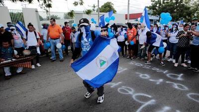 """Sergio Ramírez: """"La gente de Nicaragua no va a olvidar a sus muertos"""""""