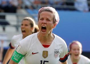 En fotos: dos penales permiten avanzar al Team USA sobre España en el Mundial femenino