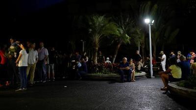 La oscuridad no termina: venezolanos continúan intentando sobrevivir en medio del apagón que acumula días
