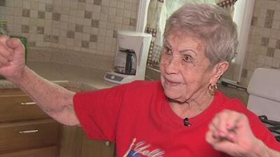 Ella es doña Paquita, una tierna abuelita que tiene más de 100 años de edad y está más viva que nunca