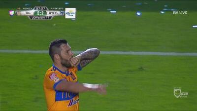 Gignac le hace una faena a la defensa de Rayados y anota un golazo para el 2-2 de Tigres