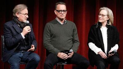Meryl Streep, Tom Hanks y  Steven Spielberg hablan con Jorge Ramos de su película, 'The Post', y de lo que pasa cuando un presidente miente