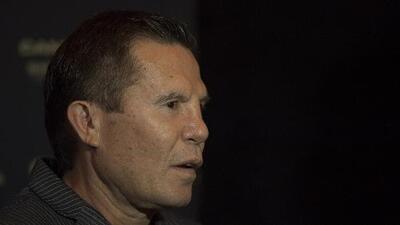 Julio César Chávez: a punto de recurrir al alcohol tras la dolorosa derrota de su hijo