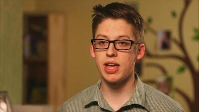 Este adolescente decidió vacunarse en contra de sus padres: hoy destaca su importancia