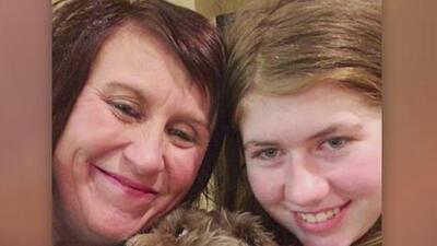 Niña de 13 años que fue secuestrada luego del asesinato de sus padres se reencuentra con su familia