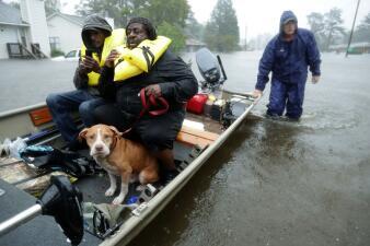 Desde el monstruoso huracán Katrina hasta Florence: los rescates de la legendaria 'Armada Cajún' (fotos)
