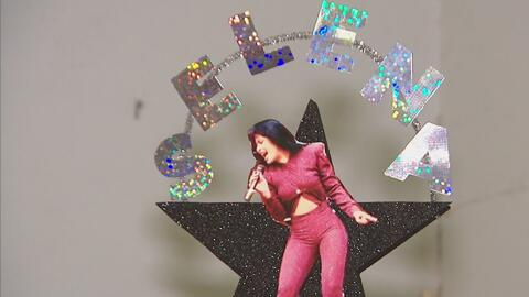 Decoran árbol navideño en homenaje a Selena