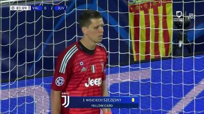 Tarjeta amarilla. El árbitro amonesta a Wojciech Szczesny de Juventus