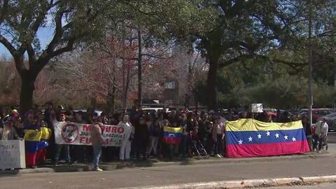 Venezolanos en Houston protestan contra el nuevo mandato de Maduro y dicen que lucharán hasta lograr un cambio