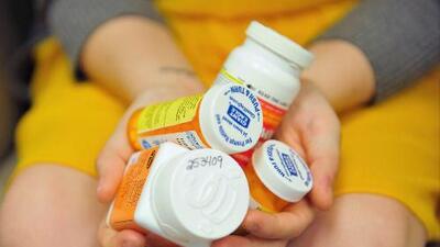 La DEA lanza una iniciativa para prevenir el consumo de opioides en Los Ángeles