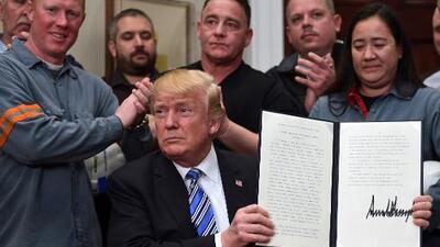 """Tras la imposición de aranceles por Trump, la Unión Europea responde que """"no tiene miedo"""" de """"matones"""" proteccionistas"""