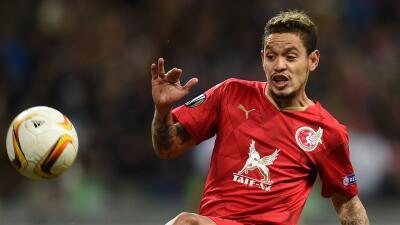 Tigres tiene en la mira al brasileño Carlos Eduardo