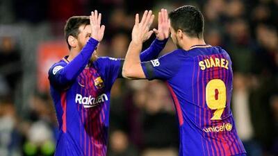 Lionel Messi y Luis Suárez les dieron el mejor regalo de Día de Reyes a niños en Barcelona