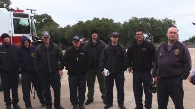 Bomberos de Texas ayudarán a combatir mortales incendios en California