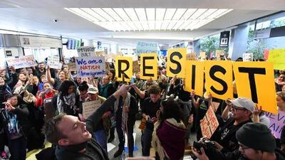 Tras el veto migratorio, la industria tecnológica finalmente le muestra los dientes a Trump