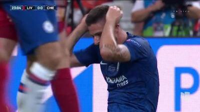 Tiro desviado de Olivier Giroud