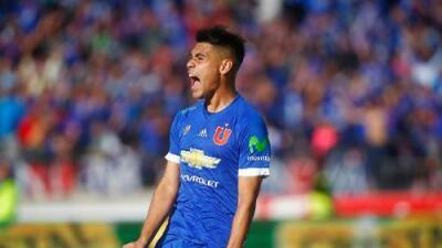 Universidad de Chile intenta retener a Felipe Mora ante las ofertas de la Liga MX