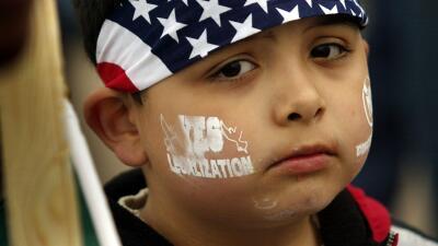 Niños pedirán a gobernador que no los separen de sus padres
