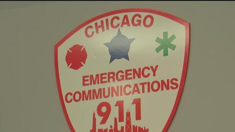 Realizan homenaje a los trabajadores de las líneas de emergencia 911 y 311 en Chicago