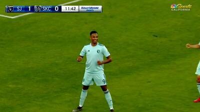 El VAR valida un golazo de Danny Hoesen y San Jose Earthquakes ya gana 2-0 ante Sporting KC