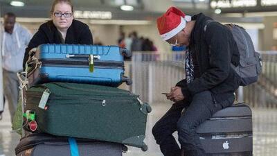 ¿Si decido autodeportarme de EEUU, importa si me voy por tierra o en avión? Respondemos tus preguntas de inmigración