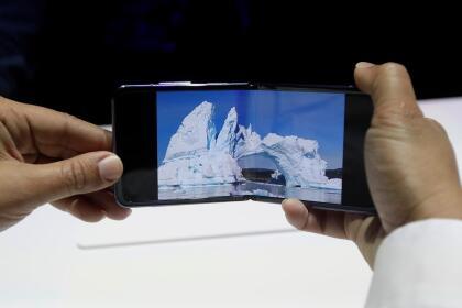 La tendencia es que estos modelos de pantalla plegable tengan precios más altos. Es probable que atraigan sobre todo a los aficionados a la tecnología y a otros consumidores especializados. <br>