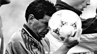 La expulsión del 'D10S' por dopaje: a 25 años del último Mundial de Maradona con Argentina