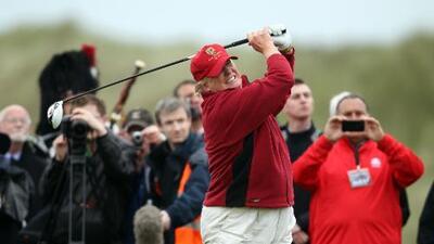 Donald Trump, gran tramposo al golf, según un libro