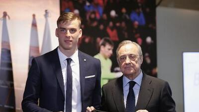 Real Madrid presentó hoy a un nuevo arquero…y no es Thibaut Courtois