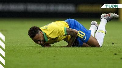 ¡Otra vez! Neymar se lesiona con Brasil ante Nigeria